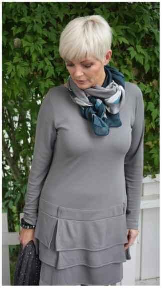 С чем носить шарф женщине